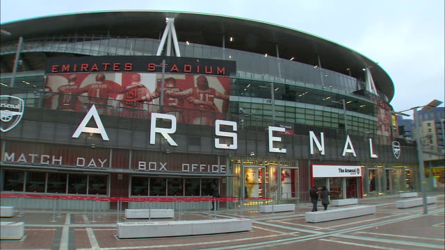 wide shot of emirates stadium home of arsenal football club. - healthcare and medicine or illness or food and drink or fitness or exercise or wellbeing stock videos & royalty-free footage