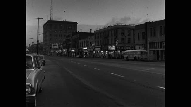 wide shot of empty street at dusk, saugus, santa clarita, california, usa - santa clarita stock videos & royalty-free footage
