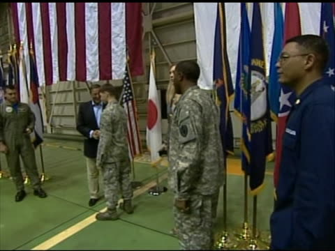 wide shot of leon panetta shakings hands with a u.s. soldiers stationed in tokyo. this footage took place during panettaõs first official visit to... - united states and (politics or government)点の映像素材/bロール
