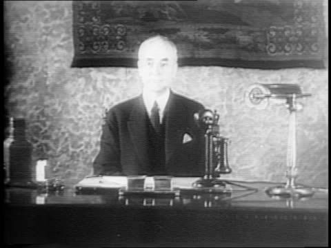 wide shot of men sitting at tables applaud / medium shot of edward stettinius accepting award in front of large photo of hull / close up shot of... - cordell hull stock videos and b-roll footage