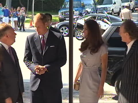 wide shot of prince william and kate middleton arriving at the beverly hilton hotel to attend varietyõs venture capital and new media summit... - the beverly hilton hotel stock videos & royalty-free footage