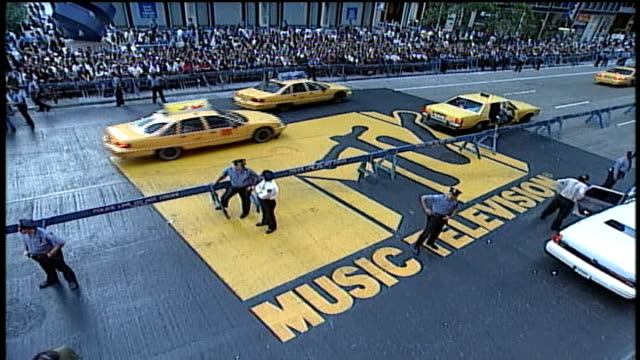 wide shot of red carpet at 1994 mtv video music awards - mtv video music awards stock videos & royalty-free footage