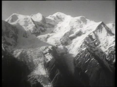b/w wide shot of snowy mont blanc / europe / sound - naturwunder stock-videos und b-roll-filmmaterial