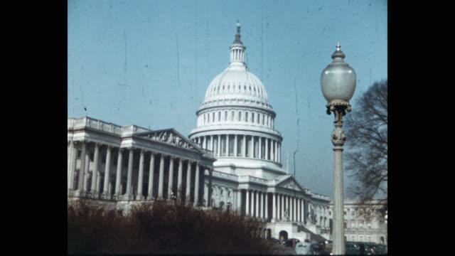vídeos y material grabado en eventos de stock de wide shot of united states capitol building against sky, washington dc, usa - edificio del capitolio washington dc