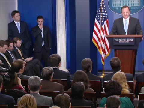 wide shot of white house press secretary robert gibbs at his last press briefing before leaving the job shot includes members of press corp seated as... - zuletzt stock-videos und b-roll-filmmaterial