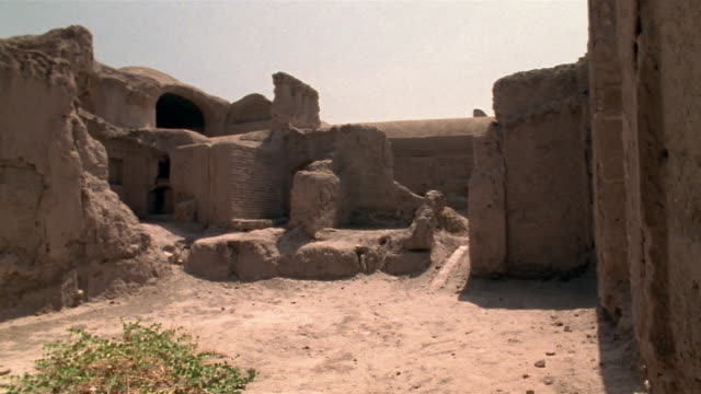 1999 wide shot pan ancient adobe ruins remaining in citadel of bam/ bam, kerman province, iran - 6th century bc stock videos and b-roll footage