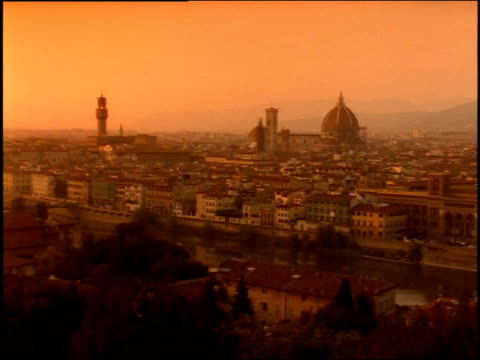 1996 wide shot sun setting over florence cityscape with duomo santa maria del fiore/ florence, italy - duomo santa maria del fiore stock videos and b-roll footage