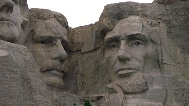 wide shots and closeups of mount rushmore - george washington stock-videos und b-roll-filmmaterial