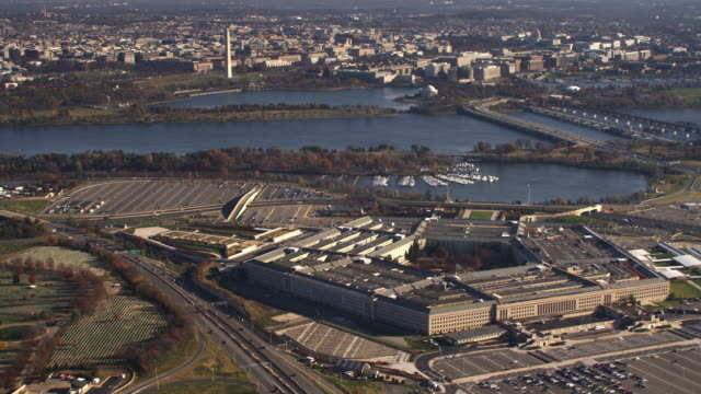 wide view of pentagon with washington dc in background, arland d. williams and george mason memorial bridges at right. shot in 2011. - artbeats stock videos & royalty-free footage