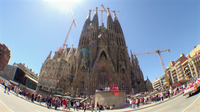 wide view of the church named sagrada familia: spain - sagrada familia bildbanksvideor och videomaterial från bakom kulisserna