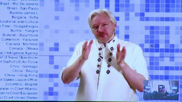 wikileaks sube 1 7 millones de documentos nuevos una autentica biblioteca publica de la diplomacia norteamericana voiced biblioteca virtual de... - biblioteca stock videos and b-roll footage