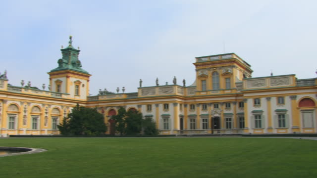 ws, pan, wilanow palace, warsaw, poland - varsavia video stock e b–roll