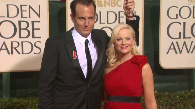 will arnett amy poehler at the 67th annual golden globe awards arrivals part 4 at beverly hills ca - ゴールデングローブ賞点の映像素材/bロール