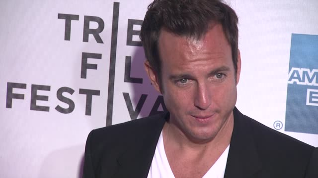"will arnett at 2012 tribeca film festival - ""mansome"" premiere at bmcc tribeca pac on april 21, 2012 in new york, new york - ウィル アーネット点の映像素材/bロール"