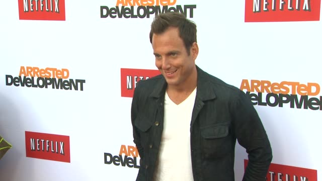 will arnett at netflix's arrested development season four los angeles premiere 4/29/2013 in hollywood, ca. - ウィル アーネット点の映像素材/bロール