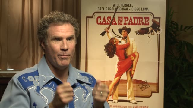 will ferrell describes what he did to make his spanish sound authentic at casa de mi padre new york press day on 3/10/2012 in new york ny united... - padre bildbanksvideor och videomaterial från bakom kulisserna