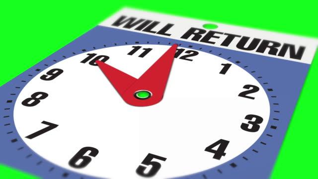 """10:00 """"will return"""" cartello di apertura aziendale su sfondo chiave crominanza - insegna di negozio video stock e b–roll"""