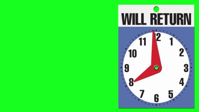 """8:00 """"will return"""" cartello di apertura aziendale su sfondo chiave crominanza - insegna di negozio video stock e b–roll"""