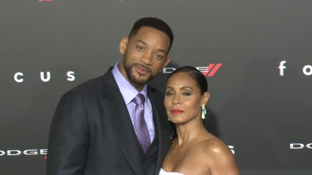 """will smith and jada pinkett smith at the """"focus"""" los angeles premiere at tcl chinese theatre on february 24, 2015 in hollywood, california. - 俳優 ウィル・スミス点の映像素材/bロール"""