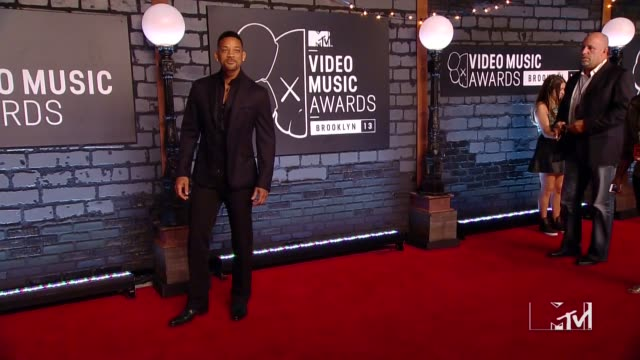 will smith at 2013 mtv video music awards - red carpet at barclays center of brooklyn on august 25, 2013 in new york, new york - 俳優 ウィル・スミス点の映像素材/bロール