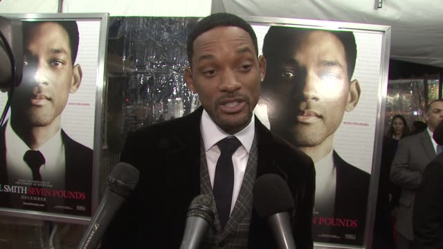 vidéos et rushes de will smith on his character what message people should take from the film and how the women in his life have changed him the most at the 'seven... - 2008