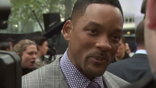 will smith on mib being an iconic film at men in black 3 gala premiere at odeon leicester square on may 16, 2012 in london, england - 俳優 ウィル・スミス点の映像素材/bロール