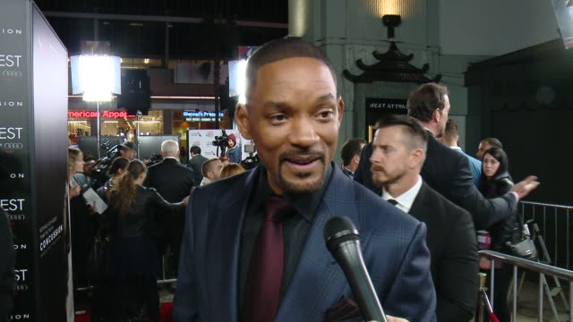 """will smith on what it means to have the premiere at the tcl chinese theatre at the """"concussion"""" world premiere gala screening - afi fest 2015 at tcl... - 俳優 ウィル・スミス点の映像素材/bロール"""