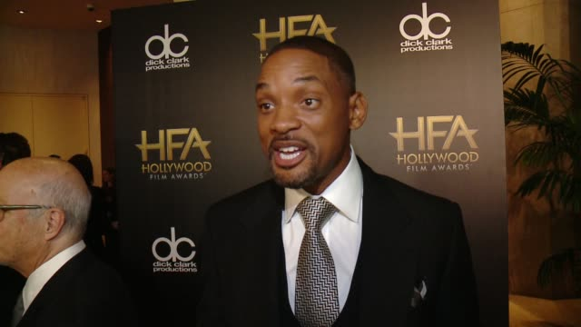 will smith on what it means to receive this honor and talks about his personal connection to the role at 2015 hollywood film awards in los angeles,... - 俳優 ウィル・スミス点の映像素材/bロール