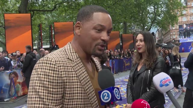 vídeos de stock, filmes e b-roll de will smith says live action remake of aladdin has been one of the most enjoyable experiences of my career and mena massoud who plays the title role... - testamento