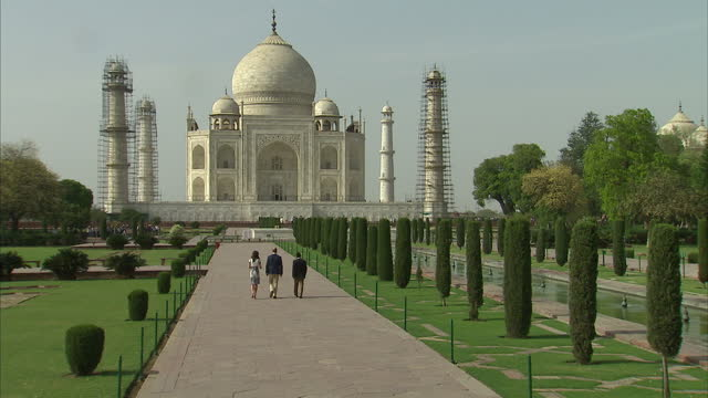 william and kate have visited the taj mahal on the final day of their tour of india and bhutan the couple's trip has prompted comparisons with the... - taj mahal stock videos and b-roll footage