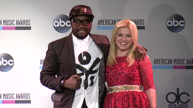 william and kelly clarkson at the 2013 american music awards nominations press conference at bb king blues club grill on october 10 2013 in new york... - 2013 american music awards stock videos & royalty-free footage