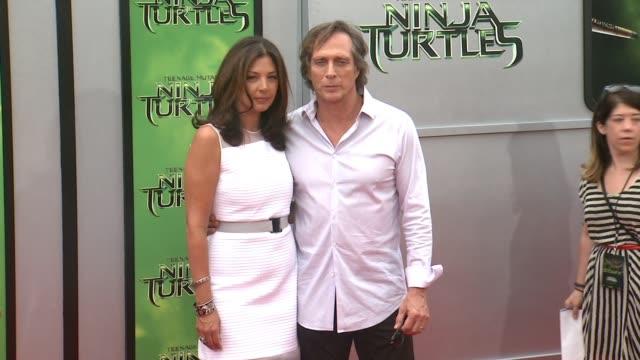 "william fichtner at the ""teenage mutant ninja turtles"" los angeles premiere at regency village theatre on august 03, 2014 in westwood, california. - ミュータント・タートルズ点の映像素材/bロール"