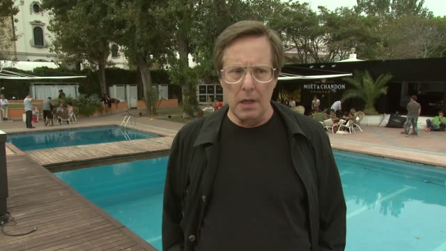 vidéos et rushes de william friedkin on what he found interesting about the script the energy on set tracey letts on william friedkin at the killer joe interviews venice... - william friedkin