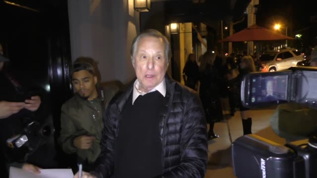vidéos et rushes de william friedkin signs autographs for fans outside craig's in west hollywood in celebrity sightings in los angeles - william friedkin