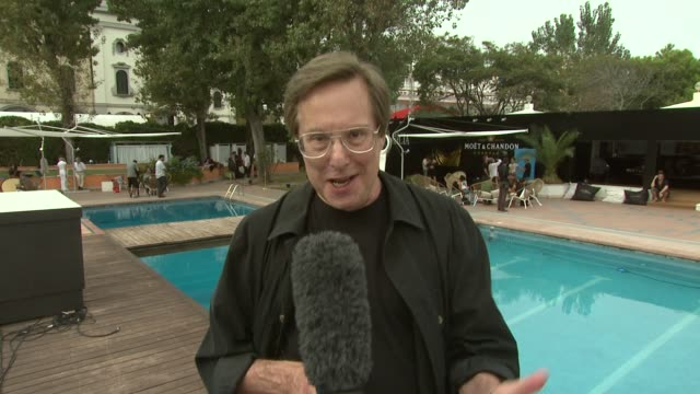 vidéos et rushes de william friedkin sings to the camera at the killer joe interviews venice film festival 2011 at venice - william friedkin