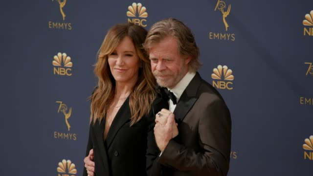vídeos de stock, filmes e b-roll de william h macy and felicity huffman at the 70th emmy awards arrivals at microsoft theater on september 17 2018 in los angeles california - 70th annual primetime emmy awards