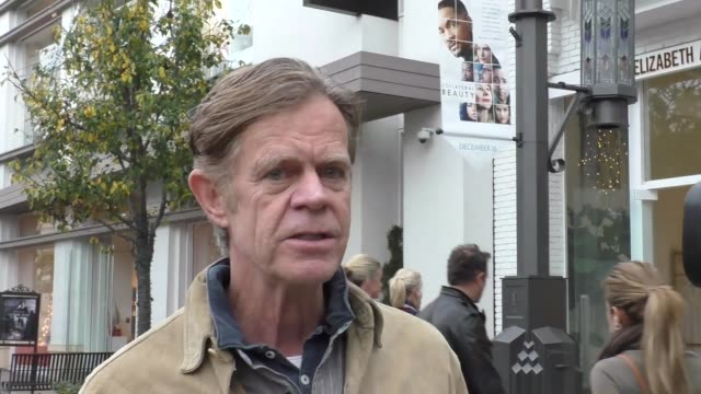 stockvideo's en b-roll-footage met william h. macy talks about emmy rossum wanting equal pay while shopping at the grove in hollywood in celebrity sightings in los angeles, - stem thema