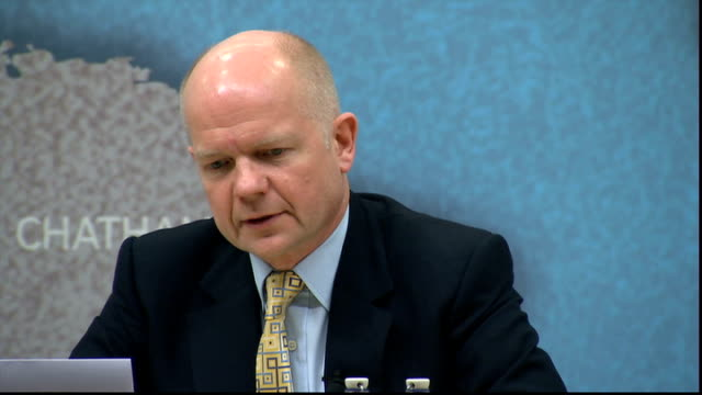 vidéos et rushes de william hague speech at chatham house on britishisraeli relations hague q a session sot re what role for arab peace initiative it is important and... - arme nucléaire