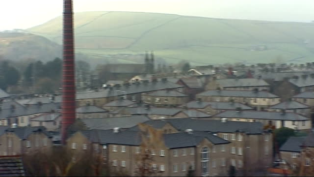 alleged victim gives evidence lancashire rossendale haslingden haslingden skyline rooftops of houses on skyline - ウィリアム・ローチ点の映像素材/bロール