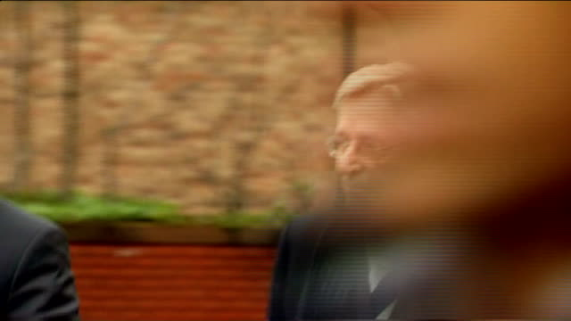 day 2 lancashire preston crown court william roache arriving at court with others - ウィリアム・ローチ点の映像素材/bロール