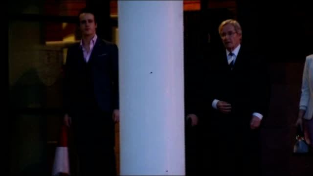 departure england lancashire preston crown court photography** william roache and his adult children along as they leave court - ウィリアム・ローチ点の映像素材/bロール
