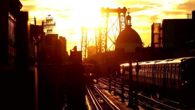 williamsburg brooklyn sunset - högbana bildbanksvideor och videomaterial från bakom kulisserna