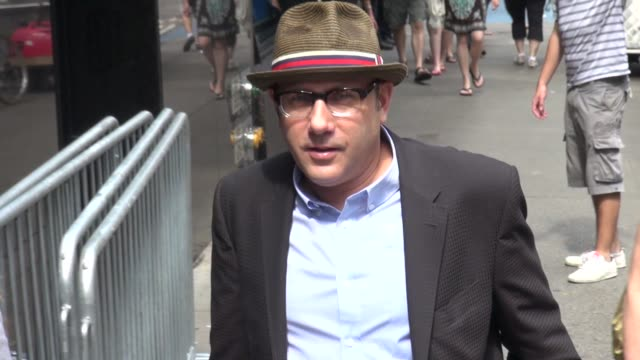 willie garson arrives at good afternoon america in new york, 08/01/12 - ウィリー ガーソン点の映像素材/bロール