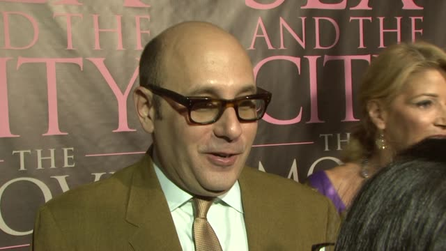 willie garson at the dvd launch party for sex and the city the movie extended cut at new york ny. - ウィリー ガーソン点の映像素材/bロール