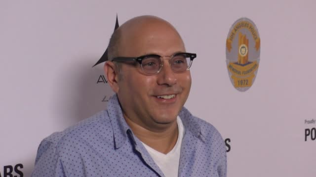 willie garson at the heroes for heroes: los angeles police memorial foundation celebrity poker tournament on september 10, 2017 in hollywood,... - ウィリー ガーソン点の映像素材/bロール