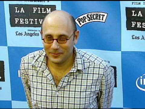 willie garson at the 'little miss sunshine' premiere at wadsworth theatre in los angeles, california on july 2, 2006. - ウィリー ガーソン点の映像素材/bロール