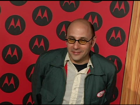willie garson at the motorola 6th anniversary holiday party arrivals at the music box theater in hollywood, california on december 2, 2004. - ウィリー ガーソン点の映像素材/bロール