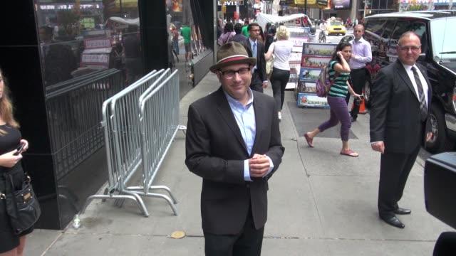 willie garson exits good afternoon america in new york, 08/01/12 - willie garson stock videos & royalty-free footage