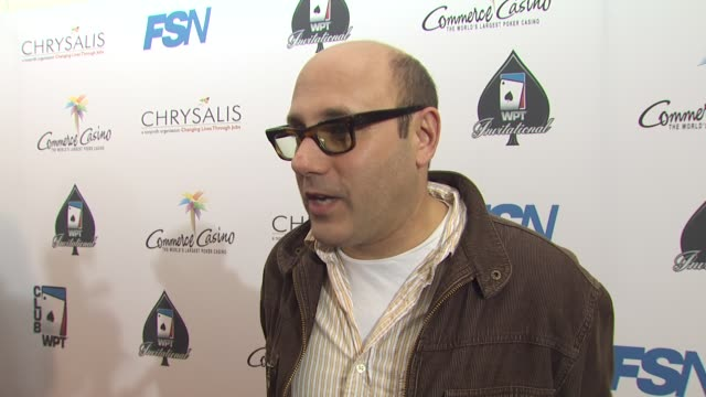 willie garson on being a part of the night, his strategy, how long he's been playing at the 8th annual wpt invitational at city of commerce ca. - ウィリー ガーソン点の映像素材/bロール