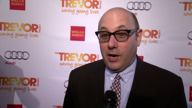 willie garson on supporting the trevor project. on his young son's thoughts on social issues. on why tonight is important at the trevor project's... - ウィリー ガーソン点の映像素材/bロール